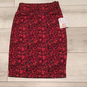 LuLaRoe Cassie Skirt Small Red Flowers NEW